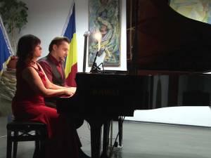 Recital de pian la patru mâini cu doi artiști de talie internațională, pe scena Colegiului de Artă