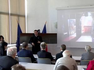 Seminarul preotului Herea, despre proiecţiile solare, la Institutul de Fizică Atomică Măgurele
