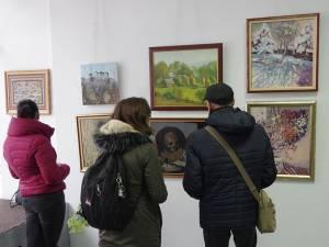 """25 de artiști și-au expus lucrările la Galeria """"Ion Irimescu"""" Suceava"""