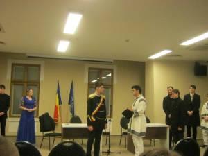 """Elevi ai Colegiul """"Mihai Eminescu"""" au sărbătorit 160 de ani de la Unirea Principatelor Române"""