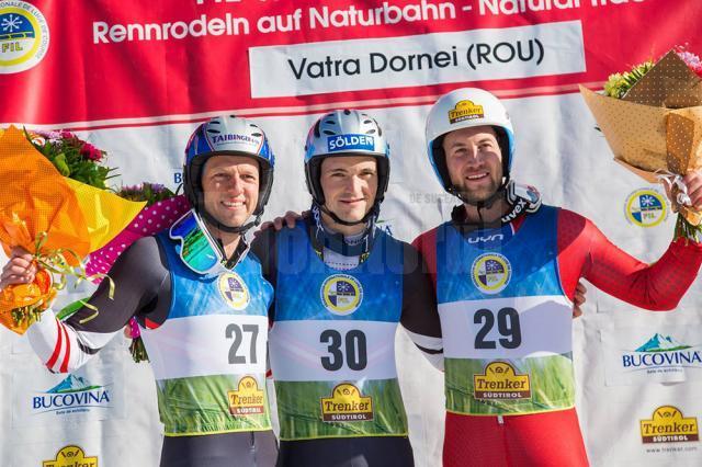 Cele două podiumuri, la feminin şi masculin