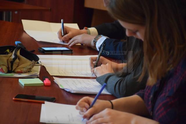 Simularea evaluării naționale începe pe 11 martie, la testare participând, în premieră, și elevii de-a VII-a