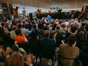 Iulius Mall Suceava sărbătoreşte luna iubirii prin muzică