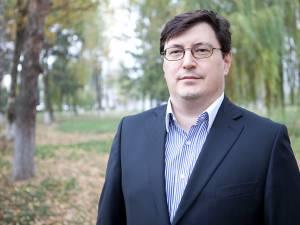 Secretarul de stat în Ministerul Sănătăţii dr. Tiberius Brădăţan