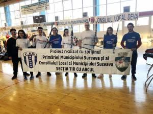 Arcaşii de la CSM Suceava, alături de antrenoarea Ioana Trufin
