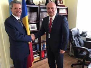 Alexandru Băișanu alături de Ion Jinga, ambasador extraordinar și plenipotențiar, reprezentantul României la ONU, în New York