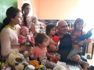 Familii nevoiaşe  care au nevoie de ajutor