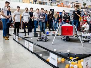 Spectacol cu roboţi creaţi de liceeni, sâmbătă, la Iulius Mall