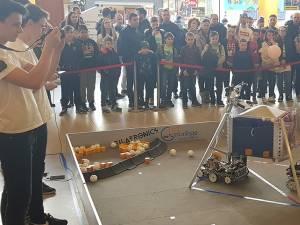 Demonstraţiile de robotică au fost găzduite de Iulius Mall