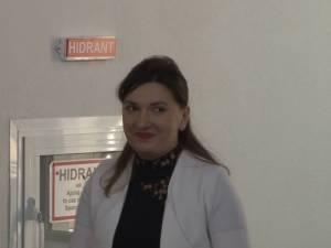 """La Şcoala Doctorală de Ştiinţe Aplicate şi Ştiinţe Inginereşti a USV, titlul de """"Doctorandul anului"""" a fost oferit Andreei Carmen Bădăluţă"""