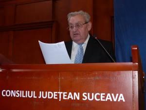 Colonel (r) Neculai Niga prezentând raportul Filialei Plăieşii pe anul trecut