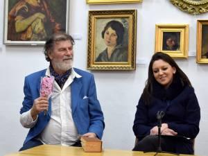 Caricaturistul şi graficianul Mihai Pânzaru - PIM și criticul de artă Delia Ioana Leizeriuc