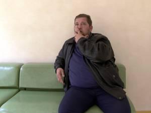Preotul George Ionuţ Apetrei a revenit acasă, sub control judiciar