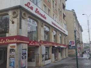 """""""La Strada"""", locul unde găsiţi încălţăminte, marochinărie, geci, haine din piele, cojoace, blănuri, accesorii de cea mai bună calitate"""