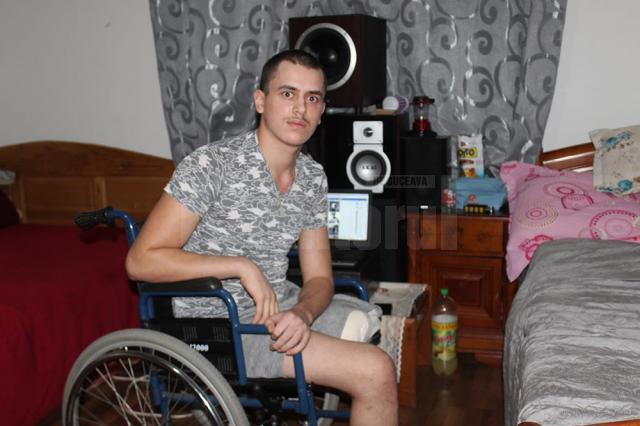 Florin-Alexandru Floriștean, tânărul din Capu Câmpului  rămas fără un picior în urma unui accident rutier are nevoie în continuare de ajutor