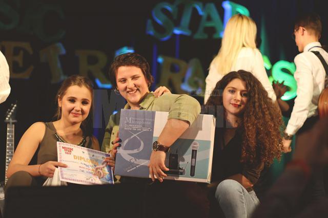"""Confruntare între elevii Colegiului """"Petru Rareş"""" şi studenţii de la USV, pe scena Music Star"""