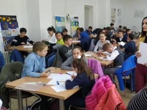 """Sute de elevi suceveni, la Concursul de cunoștințe astronomice """"Equinox"""""""