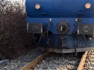 Tânărul a fost lovit de tren pe o linie din apropierea gării