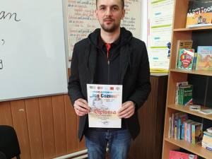 """Marele premiu la Festivalului judeţean de poezie """"Ion Cozmei"""", ediția a II-a, câștigat de poetul sucevean Cosmin Pârghie"""