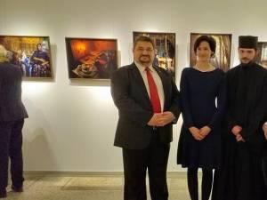 """Muzeul Bucovinei a început itinerarea europeană a expoziției """"Bucovina, mănăstirile trăiesc"""", realizată de fotograful german Oliver Mark"""