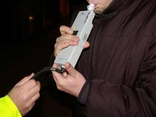 Bărbatul a fost verificat cu etilotestul, rezultând concentrația de 1,00 miligrame per litru alcool pur în aerul expirat