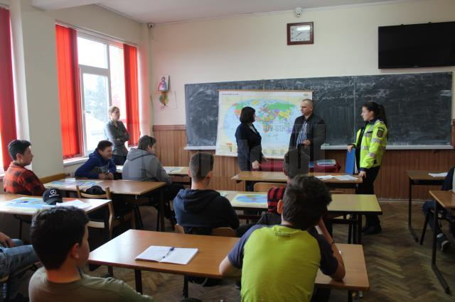 Instruire elevi