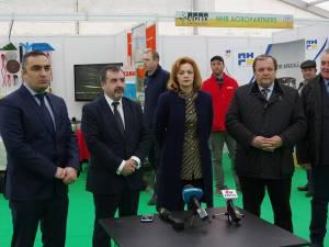 Deschiderea târgului s-a făcut în prezența oficialităţilor locale și centrale