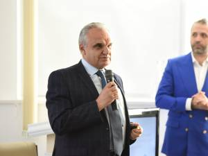 Președintele ANMCS, dr. Vasile Cepoi, și dr. Mihai Creteanu Jr.