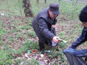Acţiune de ecologizare a Parcului Șipote, inițiată de Ocolul Silvic Pătrăuți