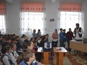 Ziua mondială a artei şi Atelierele PIM, la Şcoala Gimnazială Corocăieşti