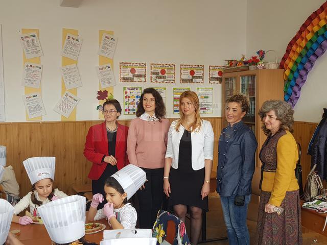 Maricela Cobuz a participat la o campanie pentru promovarea nutriției organizată la Școala Gimnazială Nr.3 Suceava