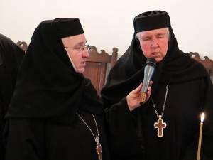 Stavrofora Gabriela Platon, stareța Mănăstirii Voroneț, și stavrofora Irina Pântescu