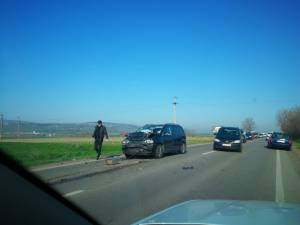 Carambol cu patru mașini implicate la ieșirea din Suceava spre Pătrăuți