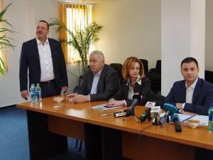 Vicepremierul Daniel Suciu a fost prezent la semnarea a trei contracte pentru investiţii în Sucevița, Arbore și Todirești