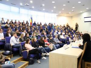 Caravana Programului Oficial de Internship al Guvernului României s-a întâlnit cu peste 200 de studenţi ai USV