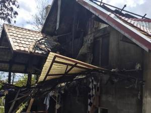 Casa distrusă de flăcări la Burdujeni