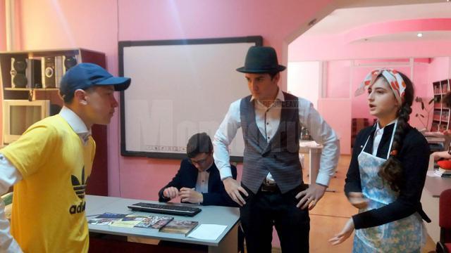 Tiberiu Avram adolescent își convinge părinţii să-l lase cu bicicleta la mare și Tiberiu Avram scriitor scrie un nou capitol din roman