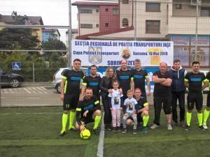 Colegii de la Suceava, alături de soţia şi copiii lui Sorin Vezeteu