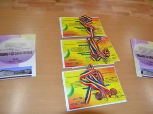 """Şase elevi de la CSEI, premiaţi la Concursul naţional """"Tradiții și creativitate"""" de la Iaşi"""