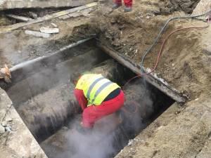 Mii de suceveni fără apă caldă, timp de două zile, după o avarie la magistrala de termoficare a cartierului Burdujeni