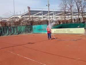 Terenurile de tenis au fost ieri impracticabile din cauza ploilor