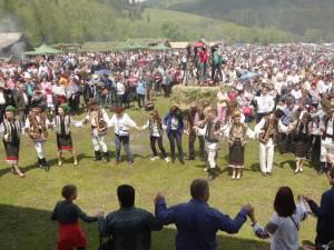 Zeci de mii de persoane au participat la ediția de anul acesta a Horei Bucovinei