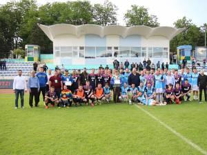 Fotografie de grup cu finaliştii Cupei României faza judeţeană