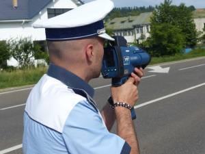 Efectul noii legi se va resimți mai degrabă în cazul celor cinci radare pistol, pe care polițiștii le vor putea folosi tot doar din mașini inscripționate