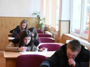 Cursurile pentru clasele a XII-a și a XIII-a se încheie vineri, 31 mai