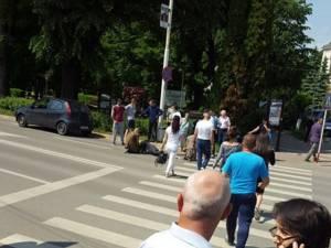 Accidentul s-a petrecut duminică după-amiază, pe o trecere de pietoni din apropierea Primăriei Rădăuți
