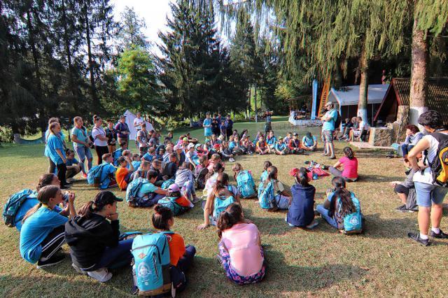 Elevii vor merge în tabără la Arad