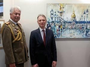 Paul Anastasiu (dreapta) cu Excelența Sa, ambasodorul României la Paris