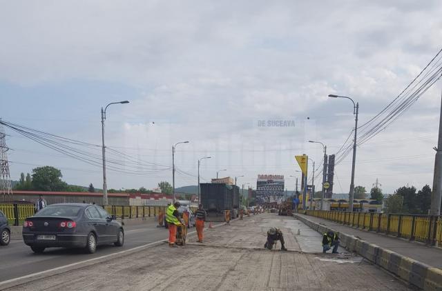 Lucrările de pe podul de la Bazar ar putea fi întrerupte şi reluate după Zilele Sucevei