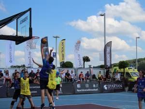63 de echipe din țară și de peste hotare s-au înfruntat în prima etapă a circuitului național de baschet 3x3 Sport Arena Streetball